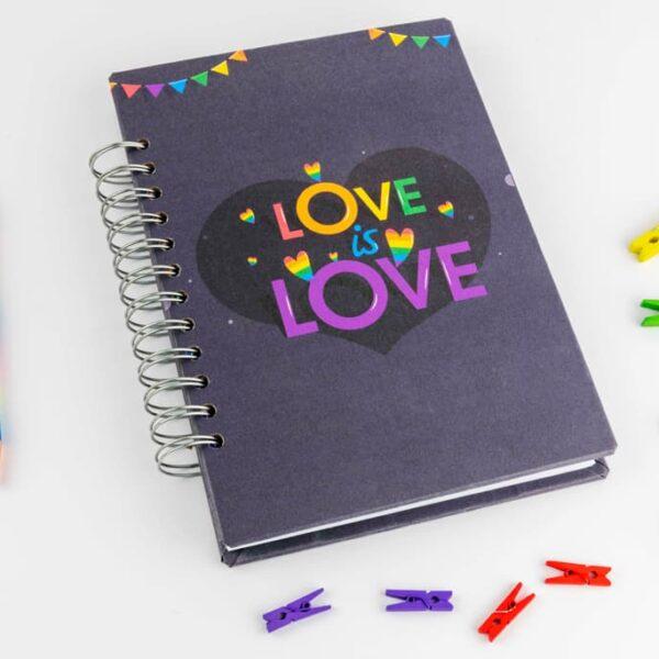 Agendas y cuaderos «Love is Love Heart» · Andariega Store 2021